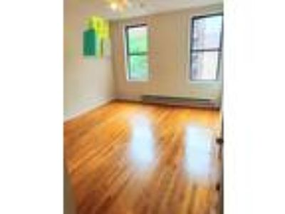 Good size and renovated 1bd apartment for rent in Washington Heights section