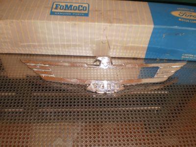 USED 56-57 FORD THUNDERBIRD GRILLE EMBLEM B6S-8259-B T-BIRD