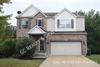 ***2,304 SQ FT PARTIAL BRICK SINGLE FAMILY HOME WITH 4 BEDROOMS + LOFT & 2.5 BATHS***