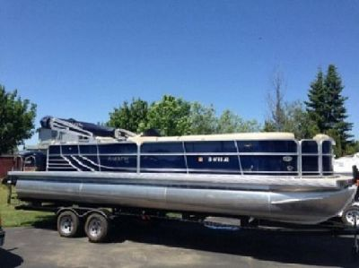 "?; 2012 South Bay Pontoon 725CRO, ';~;F.8**""*"