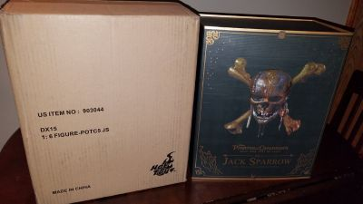 Jack Sparrow Pirates of the Caribbean DX15 Hot Toys New in Box Sold Out