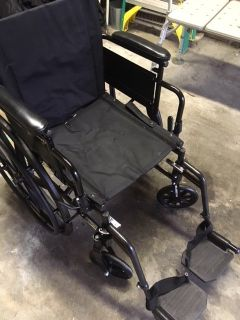 *** WHEEL CHAIR FOR SALE *** EXCELLENT CONDITION