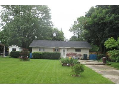 2 Bed 1.0 Bath Preforeclosure Property in Lansing, MI 48906 - Andrew Ave