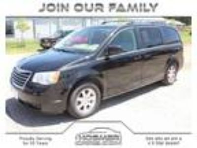 used 2008 Chrysler Town and Country for sale.