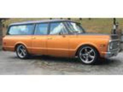1972 Chevrolet C10 Suburban