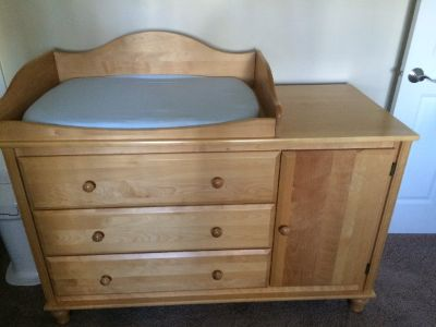 Bellini Crib and Changing Table