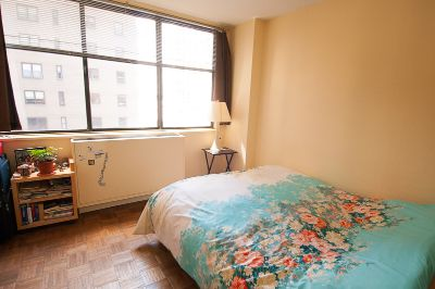 Part-Time Furnished Room for Rent, Female 27+ only
