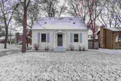 940 Jefferson Street Anoka Three BR, This charming home is