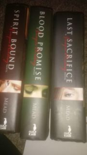 Vampire Academy Books loved these books hoping someone else will too.