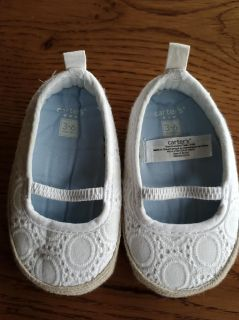 Baby girl Carters crib shoes 3-6 months