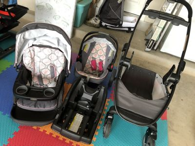 Graco Modes Click Connect Travel System - Francesca