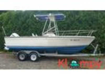 1983 Robalo 23 Fisherman 200 hp outboard