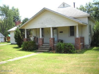 3 Bed 2 Bath Foreclosure Property in Columbus, KS 66725 - W Maple St