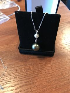 Real pearls and diamond , 14k gold 250