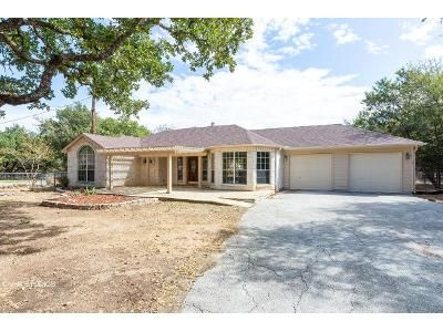 3 Bed 2 Bath Foreclosure Property in Spring Branch, TX 78070 - Misty Ln