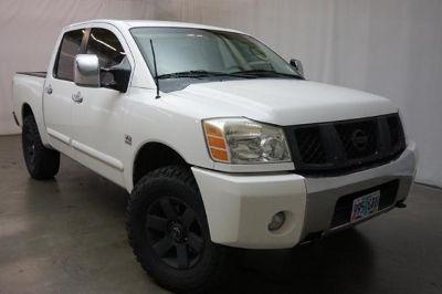 2004 Nissan Titan XE (WHITE)