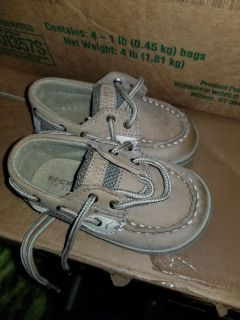 Sperry size 3
