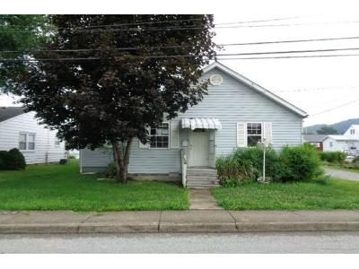 3 Bed 1 Bath Foreclosure Property in Dunbar, WV 25064 - Charles Ave