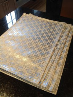 8 silver table mats