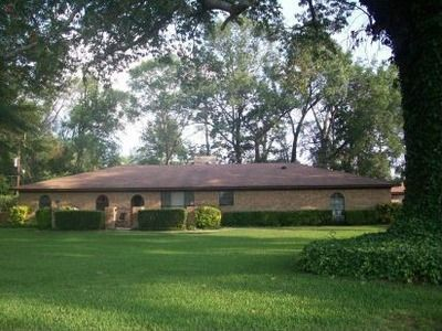 $500  500ftsup2 - Room For Rent