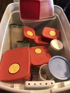Lots of Tupperware take 4 pieces for $20