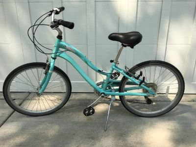 Girls SCHWINN Bike - 7 Speeds (Adult XS)
