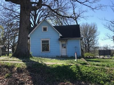 3 Bed 1 Bath Foreclosure Property in Stover, MO 65078 - N Oak St