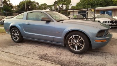 2006 Ford Mustang GT Deluxe (Blue)