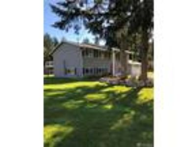 Puyallup Real Estate Home for Sale. $430,000 4bd/1.75 BA. - Stacy Ignacio of