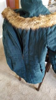 Teal winter coat with detachable hood size xl