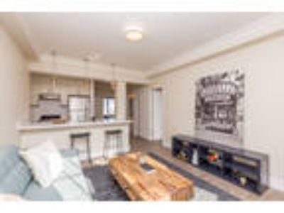 100 BRODERICK Apartments - 1 Junior Bedroom One BA Apartment