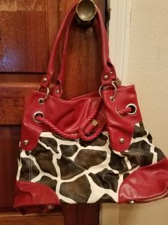 RED ANIMAL PRINT PURSE,EXCELLENT CONDITION, SMOKE FREE HOUSE