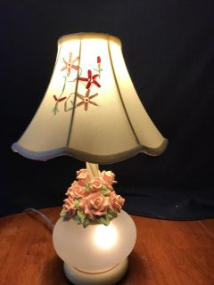 2003 Pacific Coast Lighting 3 Way Rose Lamp 18 1/2 Inches Tall