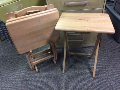 Set of 4 Oak Folding TV Trays on Stand **Pickup on Jefferson Street*
