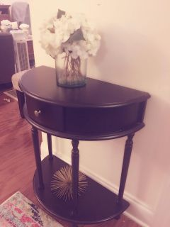 New Beautiful accent table / hallway table