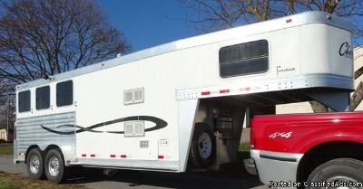 2007 Cherokee 3 horse trailer Tomahawk with Weekender