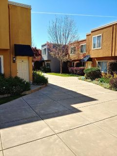 Gorgeous 2 bedroom 1.5 bath apartment in gated community near bart