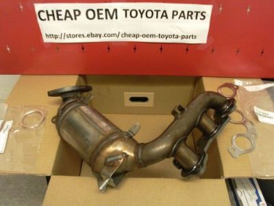 Sell TOYOTA GENUINE OEM EXHAUST MANIFOLD CONVERTER 2004-09 SIENNA 2003-07 HIGHLANDER motorcycle in Milford, Massachusetts, United States, for US $450.00