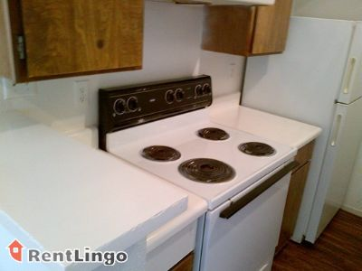 $650, 2br, Available 02/15/2018 Wyoming Spacious 2 bd/1.0 ba Apartment