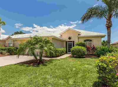 440 Pinewood Lake Drive VENICE Three BR, Pretty patio home with