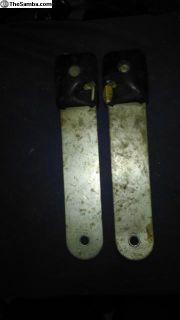 bay bus seat belt receivers