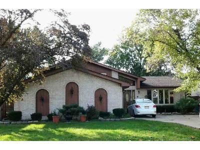 3 Bed 2 Bath Foreclosure Property in Bridgeview, IL 60455 - S Thomas Ave