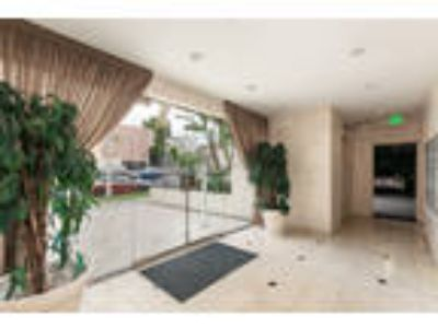 Wilshire Catalina Towers - Three BR Two BA