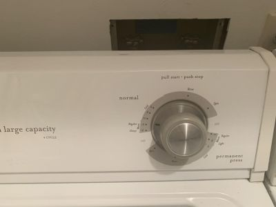 Whirlpool Estate Heavy Duty/ Large Capacity Electric Dryer/Washer Set