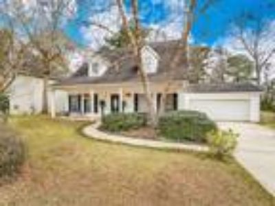 Beautiful Creole Cottage in Plantation Hills!