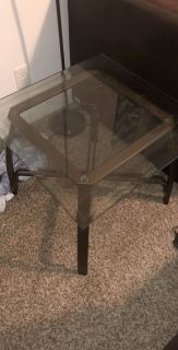 Glass table 20$