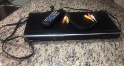 Toshiba DVD Player w. Cords & Remote (includes batteries)