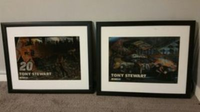 2 TONY STEWART HOLOGRAPHIC PICTURES