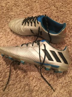 Messi Adidas cleats good condition men s 7