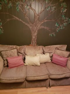 Couch and oversized chair and 7 accent pillows